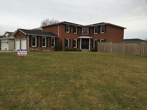 5 BEDROOMS AND 3.5 BATHS / MINT CONDITION