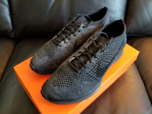 Brand New Men's Nike Flyknit Racer