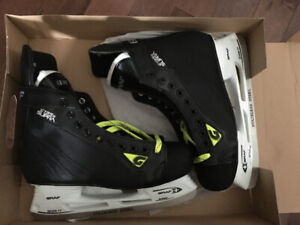 Men's Graf Supra XI SR 10.5 Regular ice skates brand new.