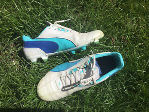 Soccer cleats size 7.5