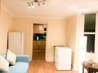 BIG LOVELY ROOM IN TOTTENHAM, N22 8YR..£720pcm..AVAILABLE NOW+ALL BILLS INCLUDED