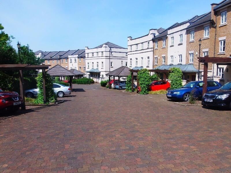 Secure, CCTV Monitored, Gated Parking Space,7 Mins Walk To***HERNE HILL STATION*** (3730)