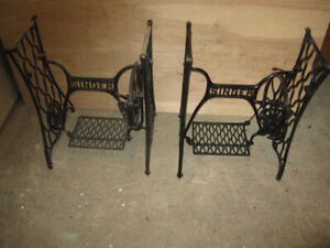 SINGER SEWING MACHINE CAST IRON BASE'S GREAT FOR A TABLE OR DESK