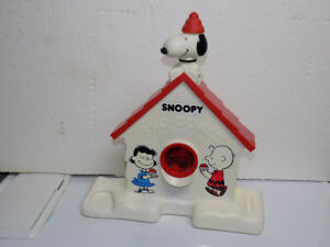 Peanuts Snoopy Sno Cone maker and Snoopy Banks