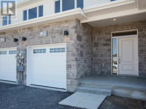 3 Bed 2.5Bath Brand new spacious bright home-Holden St-Woodhaven