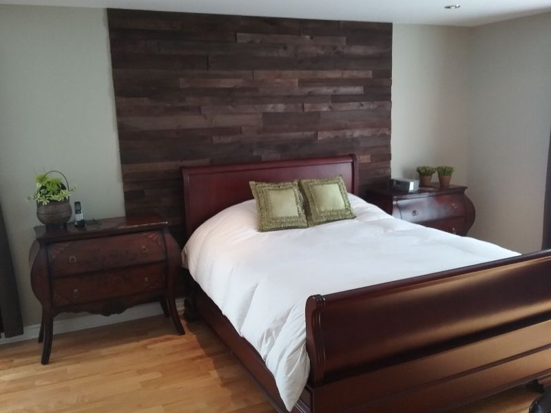 co mur mur et tete de lit en bois recycler autre ville de montr al kijiji. Black Bedroom Furniture Sets. Home Design Ideas