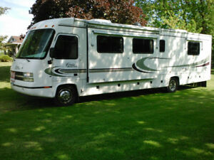 35 ft Cruise Master Motor Home