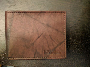 Kenneth Cole Reaction Brown Leather Wallet Brand New