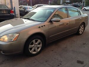 2003 Nissan Altima Only 177000 KMS Certy and emission test $1950