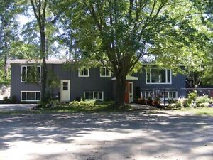 Picton, Renovated Two Bed Apartment with Pool on Large Treed Lot