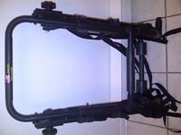 Rack etat neuf pour 3 velos. Tres solide. 90$ (Made in USA)