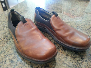 Merrell shoes Size 10 Real Leather upper Very nice shoes These s