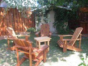 chaise adirondack en bois traité brun teinté cèdre rouge
