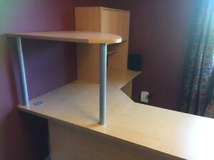 Corner desk.  Cambridge Kitchener Area image 3