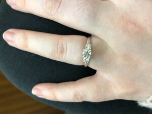 14k white gold Canadian diamond ring