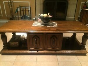 Must sell!!!  Classic Antique solid oak coffee table
