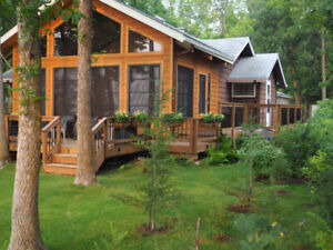 Lake Front Cottage (sleeps 6) for Rent, 10 miles North Gimli, MB