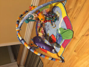Infant bellytime play mat, and bouncer!