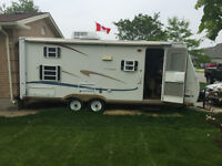 2003 GULF STREAMLINE 23 FOOT TRAILER IN REAL GOOD COND