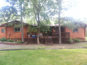 3 bedroom bungalow on gorgeous 80 acres close to town