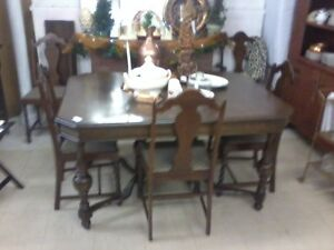 Antique Dining Table & 6 Chairs w\ 2 leafs P267,246-8