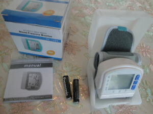 BLOOD PRESSURE MONITOR AT WRIST APPROVED BY WHO BRAND NEW $40