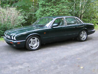JAGUAR XJR  (VERY CLEAN)