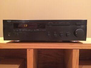 Yamaha RX-485 Natural Sound Receiver Stratford Kitchener Area image 1