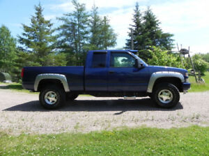 97 GMC Sierra 1500HD ext. cab , short bed 4x4 in excellent cond.