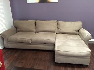 Great couch. Like new London Ontario image 3