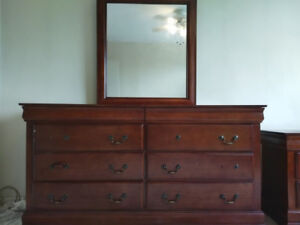 Dressor with Large Mirror