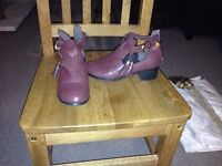 Boots - size 5