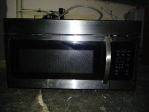 Stainless GE 30 inch microwave-rangehood