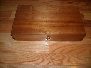 WANTED******WOOD JEWELERY BOX