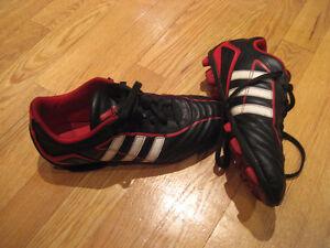 Souliers de soccer grandeur US5