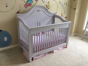 Crib with Toddler Bed Conversion