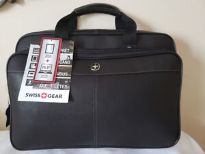 "SWISSGEAR Leather 15.6"" Laptop Case - Black $120 - NEW"