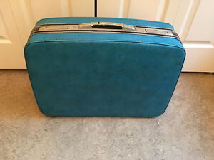 "Vintage Samsonite Suitcase Hard Cover 23"" X 17"""