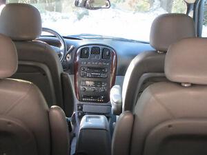2004 Chrysler Town & Country Touring Minivan, Van