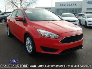 2015 Ford Focus SE  Manual Transmission-Clean CarFax Report