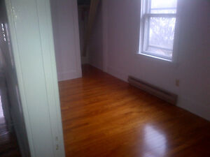 GORGEOUS 2 BEDROOM APARTMENT WITH OFFICE/DEN CENTRAL HALIFAX