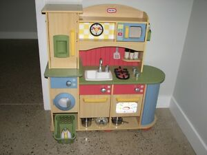 Little Tikes Deluxe Wooden Kitchen & Laundry Centre (Collingwood