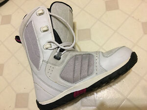 Snowboard Boots - women's size 9 Morrow brand boots
