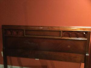 Tête de lit antique pour lit double ou queen