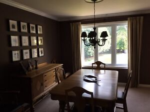 Oak dining table and 6 chairs Windsor Region Ontario image 2