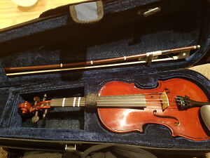 1/8 Prima Violin + case + bow - very good condition