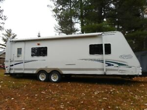 27 foot Ultra Lite Trail Cruiser camping trailer