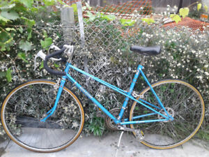 Raleigh Record Road Bike + Brand New U-lock for extra $20