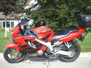 CBR 600 F4 - Certified, perfect conditions and several parts Stratford Kitchener Area image 2