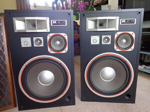 WANTED: STEREO EQUIPMENT! Record Players, Speakers, Amplifiers